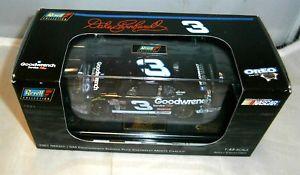 【送料無料】模型車 モデルカー スポーツカーコレクション#デイルアーンハートモンテカルロ143 revell collection 2001 3 gm goodwrench oreo dale earnhardt sr monte carlo