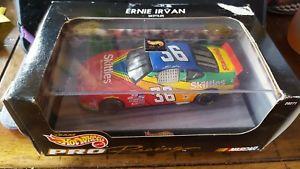 【送料無料】模型車 モデルカー スポーツカーホットプロレース#スケールニップホイールhot wheels pro racing ernie irvan 36 143 scale skittles *nip*