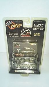 【送料無料】模型車 モデルカー スポーツカーデイルアーンハートサークルシルバーシリーズdale earnhardt winners circle 25th silver anniversary series 1990 lumina 164