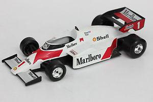 【送料無料】模型車 モデルカー スポーツカーレースカーold toyracing carburagomc laren 125 l 21 cm