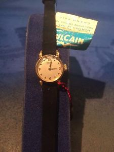 ビンテージゴールデンクロックvulcain orologio in oro per donna vintage nuovo 1950