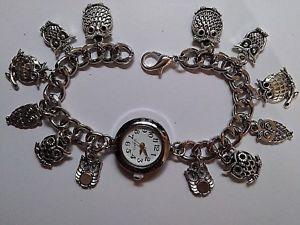 【送料無料】シルバーブレスレットペンダントフクロウペンダントfatto a mano argento bracciale ciondolo gufo orologio con 12 ciondoli 20cm lunga