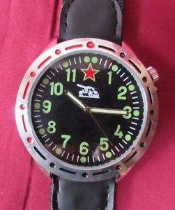 【送料無料】ロシアeaglemoss gents orologio da polso 1980s carro armato russo