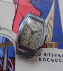 【送料無料】リップトノーソzvezda lip montre mcanique ancienne t18 modle tonneau urss penza 1959