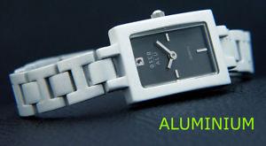 【送料無料】フルアルミクロックcompleto alluminio osco orologio donna molto leggero oblungo forma nero colorato