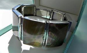 【送料無料】ブレスレット アクセサリ― スターリングシルバーパールブレスレットbeguiling 61g sterling silver 925 wide iridescent mother of pearl bracelet