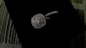 【送料無料】ブレスレット アクセサリ― シルバーリングセットbeautiful set of sterling silver rings for  never wornvery classy look