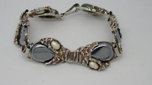 【送料無料】ブレスレット アクセサリ― ヴィンテージポーランドデザインスターリングシルバーヘマタイトパールブレスレットvintage polish arts amp; crafts design sterling silver hematite amp; pearl bracelet
