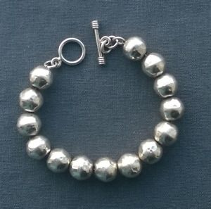 【送料無料】ブレスレット アクセサリ― スターリングシルバーソリッドボールブレスレットビーズsterling silver solid hammered balls bracelet 12mm beads 75 impressive