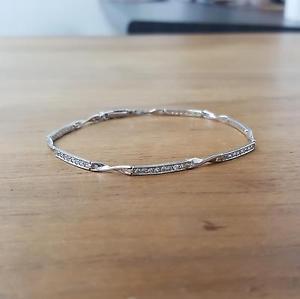 【送料無料】ブレスレット アクセサリ― ホワイトゴールドキュービックブレスレット9ct white gold cubic bracelet 44g