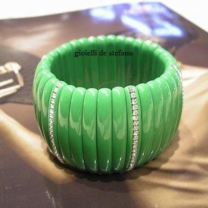 【送料無料】ブレスレット カフワイドグリーンパッケージbracciale donna largo elastico colorato verde con zirconi confezione gratis