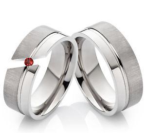 【送料無料】ブレスレット チタンリング2 anelli di fidanzamentoanelli titanio con veri granat incisione tg101