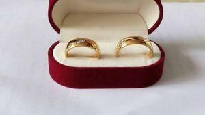 【送料無料】ブレスレット ゴールドパラlote d alianzas chapado en oro para parejas anillos de compromiso matrimonio