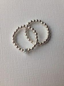 【送料無料】ブレスレット スターリングシルバーリングストレッチサイズ2 argento sterling anelli stretch 1 normale, 1 bella stella tutte le dimensioni