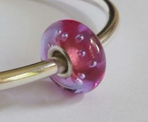 【送料無料】ブレスレット ガラスビーズコアブレスレットartisan glass bead *5*, small silver core compatible with trollbeads bracelet