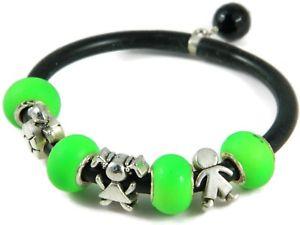【送料無料】ブレスレット ブレスレットファッションゴムbracciale componibile moda in gomma nera elementi di ottone e perle verde fluo