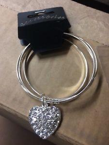 【送料無料】ブレスレット ハートペンダントジョブロットシルバーブレスレットcommercio allingrosso 50 x braccialetti color argento con ciondolo a forma di cuore fascino job lo