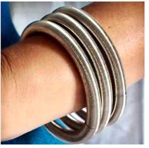 【送料無料】ブレスレット ブレスレットスプリングピアノスチールブレスレットbracelet n3 ressorts la mollla la molla piano wire steel bracelets