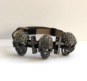 【送料無料】ブレスレット バトラーウィルソンピュータースカルクロスブレスレットbutler and wilson pewter large skull cross bracelet