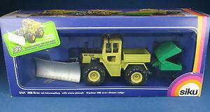 【送料無料】模型車 モデルカー スポーツカー ボックストターsiku farmer 3151 mbtrac 800 mit schneepflug traktor neu in ovp 132