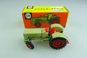 【送料無料】模型車 モデルカー スポーツカー トタートターボックスv 287 hanomag robust 900 schlepper traktor siku 155 mit box 507124