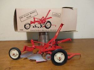 【送料無料】模型車 モデルカー スポーツカー ビンテージプラウvintage carter truscale machine co plow p404 farm implement toy in box