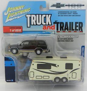【送料無料】模型車 モデルカー スポーツカー ジョニートラックトレーラーシボレータホキャンピングカートレーラー