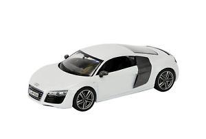 【送料無料】模型車 モデルカー スポーツカー アウディクーペホワイトschuco 143 450750300 audi r8 v10 coupe 2012 weiss neu ovp