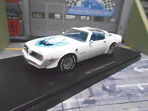 【送料無料】模型車 モデルカー スポーツカー ポンティアックトランスpontiac firebird trans am 1977 weiss whi muscle car v8 sonderpreis ertl amt 143