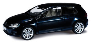 【送料無料】模型車 モデルカー スポーツカー ゴルフドアハッチバックherpa 143 pkw vw golf 7 2013 2trig night blue metall