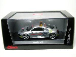 【送料無料】模型車 モデルカー スポーツカー アウディセーフティカールマンaudi r8 v10 safety car lemans 2009