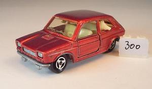 【送料無料】模型車 モデルカー スポーツカー フィアットメタリックレッド#majorette 155 nr 203 fiat 127 rotmetallic 300