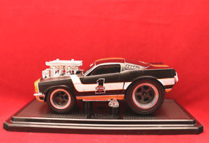 【送料無料】模型車 モデルカー スポーツカー モデルカーフォードムスタングマシンmodellauto1966 ford mustang muscle machines harleydavidson 124  3ovp