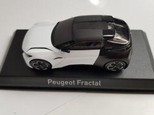 【送料無料】模型車 モデルカー スポーツカー プジョーフタルサロンドフランフォートクーペ143 norev peugeot fractal salon de francfort 2015 coupe 479990