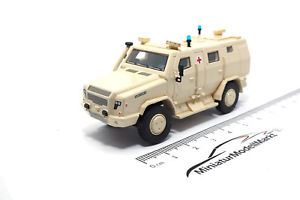 【送料無料】模型車 モデルカー スポーツカー ボスモデルサバイバー87467 bosmodels rmmv survivor r 2016 ambulance 187