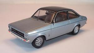 【送料無料】模型車 モデルカー スポーツカー フォードエスコートリムジンメタリックシルバー#trofeu 143 ford escort mk 2 limousine silbermetallicschwarz 1792