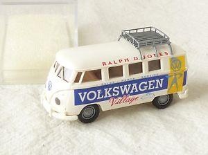 【送料無料】模型車 モデルカー スポーツカー フォルクスワーゲンフォルクスワーゲンバス10674 brekina 397 volkswagen bulli t1b bus volkswagen village