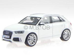 【送料無料】模型車 モデルカー スポーツカー アウディホワイトモデルカーaudi q3 rs weiss modellauto 450751100 schuco 143