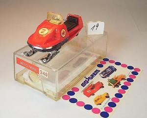 【送料無料】模型車 モデルカー スポーツカー #ヒートチルトモーターキャリッジ#majorette 160 nr 249 motoneige motorschlitten rot caltex ovp 019