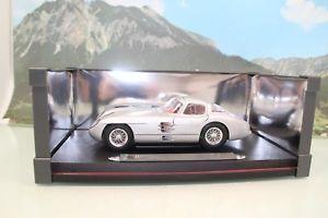 【送料無料】模型車 モデルカー スポーツカー メルセデスベンツレフmaisto 536898 118 mercedesbenz 300 slr coupr uhlenhaut ovp b499