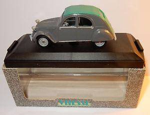 【送料無料】模型車 モデルカー スポーツカー シトロエンボックスインテリアヴェールvitesse citroen 2cv 1957 grise ferme interieur vert 143 ref 5261 in box