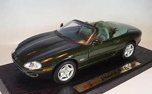 【送料無料】模型車 モデルカー スポーツカー ジャガー#maisto 118 jaguar xk8 1996 grn ovp 1966