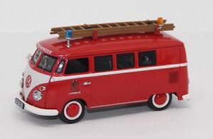 【送料無料】模型車 モデルカー スポーツカー フォルクスワーゲンフォルクスワーゲンバスschuco 143 volkswagen vw t1 bus bulli feuerwehr brandweer langedijk js2579