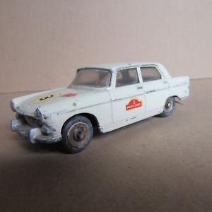 【送料無料】模型車 モデルカー スポーツカー ビンテージプジョーベージュ853 vintage dinky 553 peugeot 404 beige 143