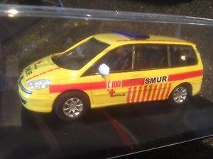 【送料無料】模型車 モデルカー スポーツカー プジョーレスキューベルギーボックスpeugeot smur 100 sos rescue doctor belgium 143 modelcar in box