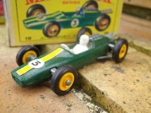 【送料無料】模型車 モデルカー スポーツカー ロータスレーシングカーマッチヌフボンバジェットmatchbox lesney 19 lotus racing car comme neuf en boite dorigine bon tat