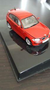 【送料無料】模型車 モデルカー スポーツカー シリーズタイプbmw serie 1 143 auto art