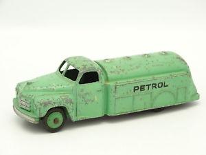 【送料無料】模型車 モデルカー スポーツカー タンカーガソリンヴェールdinky toys gb sb 143 tanker petrol vert