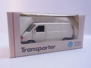 【送料無料】模型車 モデルカー スポーツカー lot 40635 schabak 1065 vw transporter wei 143 modellauto neu in ovp