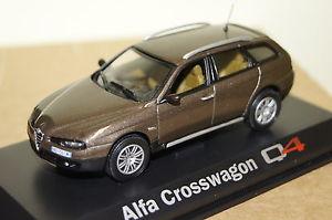【送料無料】模型車 モデルカー スポーツカー アルファロメオクロスブラウンalfa romeo crosswagen q4 braun met 143 norev neu ovp 790201